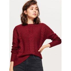 Sweter z warkoczowym splotem - Bordowy. Czerwone swetry klasyczne damskie Cropp, l, ze splotem. Za 49,99 zł.