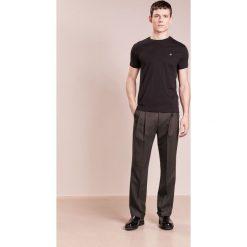 Vivienne Westwood PERU TEE  Tshirt basic black. Czarne koszulki polo Vivienne Westwood, l, z bawełny. W wyprzedaży za 356,30 zł.