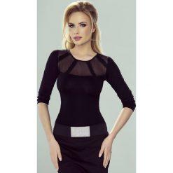 Elegancka damska bluzka Adelajda. Szare bluzki asymetryczne Astratex, w koronkowe wzory, z elastanu, eleganckie, z klasycznym kołnierzykiem. Za 77,99 zł.