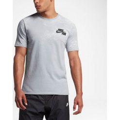 Nike Koszulka męska NSW Tee Lunar Photo szara r. M (847595-012-S). Szare t-shirty męskie marki Nike, m. Za 136,40 zł.