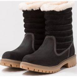 Darkwood Botki black. Czarne buty zimowe damskie Darkwood, z materiału. W wyprzedaży za 209,50 zł.