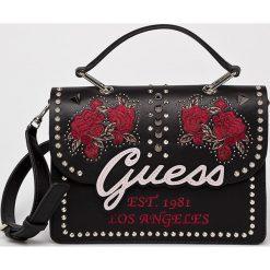 Guess Jeans - Torebka. Brązowe torebki klasyczne damskie Guess Jeans, w paski, z jeansu, średnie. Za 679,90 zł.