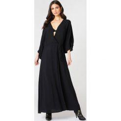 NA-KD Boho Sukienka-płaszcz - Black. Niebieskie sukienki boho marki NA-KD Boho, na imprezę, w koronkowe wzory, z koronki, na ramiączkach, mini. Za 161,95 zł.