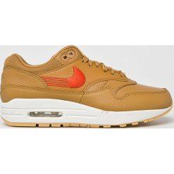 Nike Sportswear - Buty Nike Air Mac 1 Premium. Szare buty sportowe damskie Nike Sportswear, z gumy. W wyprzedaży za 499,90 zł.