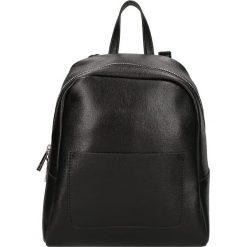 """Plecaki damskie: Skórzany plecak """"Victor Hugo"""" w kolorze czarnym – 22 x 26 x 13 cm"""