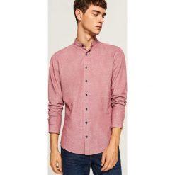 Koszula slim fit z łatami na łokciach - Bordowy. Czerwone koszule męskie na spinki marki Cropp, l. Za 119,99 zł.