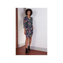 Sukienka z delikatną stójką, SUK149. Szare sukienki z falbanami Lanti, z tkaniny, ze stójką. Za 169,00 zł.