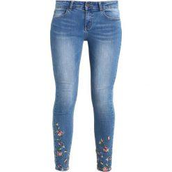 Cartoon Jeans Skinny Fit middle blue. Niebieskie jeansy damskie Cartoon. Za 379,00 zł.