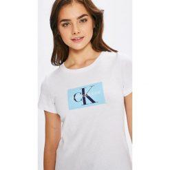 Calvin Klein Jeans - Top. Szare topy damskie marki Calvin Klein Jeans, l, z nadrukiem, z bawełny, z okrągłym kołnierzem. Za 199,90 zł.