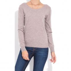Sweter w kolorze szarobrązowym. Brązowe swetry klasyczne damskie marki William de Faye, z kaszmiru, z dekoltem na plecach. W wyprzedaży za 136,95 zł.