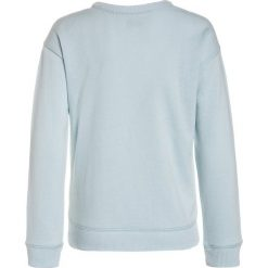 Abercrombie & Fitch FLIP SEQUIN CREW  Bluza turquoise. Niebieskie bluzy chłopięce Abercrombie & Fitch, z bawełny. Za 189,00 zł.