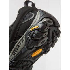 Merrell MOAB 2 GTX Obuwie hikingowe black. Czarne buty sportowe damskie Merrell, z gumy, outdoorowe. Za 549,00 zł.