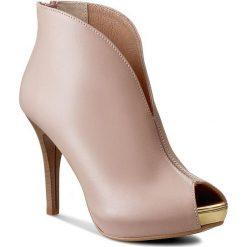 Botki R.POLAŃSKI - 724 Róż Pudrowy/Złoty. Czerwone buty zimowe damskie marki R.Polański, ze skóry, z otwartym noskiem, za kostkę, na wysokim obcasie, na szpilce. W wyprzedaży za 229,00 zł.