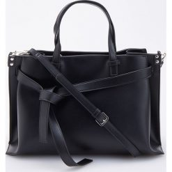 Duża torebka z odpinanym paskiem - Czarny. Czarne torebki klasyczne damskie marki Reserved, duże. Za 159,99 zł.