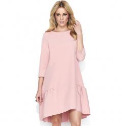 Różowa Casualowa Luźna Sukienka z Falbanką. Różowe sukienki balowe marki numoco, l, z dekoltem w łódkę, oversize. Za 129,90 zł.