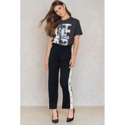 T-shirty damskie: Amplified T-shirt Bieber – Grey