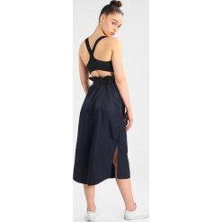 Spódniczki trapezowe: Ivy Park HARNESSED SKIRT Spódnica trapezowa ink