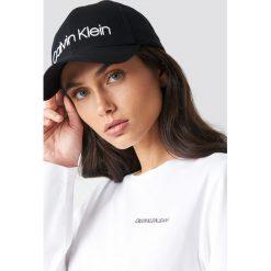 Calvin Klein Czapka Logo Embroidery W - Black. Czarne czapki z daszkiem damskie Calvin Klein. Za 161,95 zł.