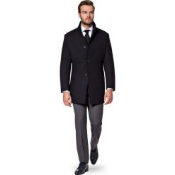 Płaszcz Czarny Alexio. Czarne płaszcze na zamek męskie marki LANCERTO, m, z bawełny, klasyczne. W wyprzedaży za 499,90 zł.