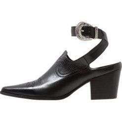 E8 BY MIISTA SARA Ankle boot black. Czarne botki damskie na zamek E8 BY MIISTA, z materiału. Za 609,00 zł.