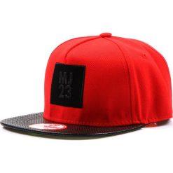 Czapka męska snapback czerwona (hx0216). Czerwone czapki z daszkiem męskie marki Dstreet, z aplikacjami, ze skóry ekologicznej, eleganckie. Za 69,99 zł.