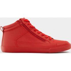 Buty sportowe męskie: Wysokie czerwone buty sportowe z suwakiem