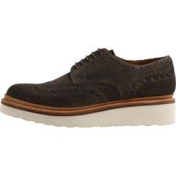 Grenson ARCHIE Sznurowane obuwie sportowe bronze burnishing. Brązowe buty sportowe męskie marki Grenson, z materiału, na sznurówki. W wyprzedaży za 472,15 zł.