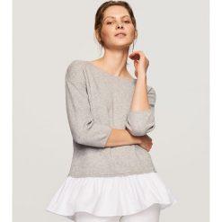 Sweter z falbaną - Jasny szar. Szare swetry klasyczne damskie marki Reserved, l. W wyprzedaży za 34,99 zł.