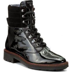 Botki GANT - Emilia 15541024 Black G00. Czarne buty zimowe damskie marki GANT, z lakierowanej skóry, na obcasie. W wyprzedaży za 389,00 zł.