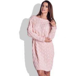 Różowa Sukienka Swetrowa Luźna w Warkocze. Różowe długie sukienki marki numoco, l, z dekoltem w łódkę, oversize. Za 137,90 zł.