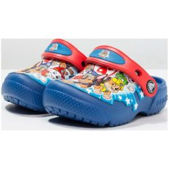 Crocs FUNLAB PAW PATROL Sandały kąpielowe blue jean. Niebieskie sandały chłopięce marki Crocs, z gumy. Za 149,00 zł.