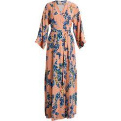 Długie sukienki: IVY & OAK KIMONO DRESS Długa sukienka rose