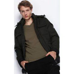 Ciemnozielona Kurtka Get Easier. Czarne kurtki męskie zimowe marki Born2be, l, z aplikacjami, z dresówki. Za 224,99 zł.