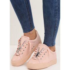 Różowe Buty Sportowe Zip-On. Czerwone buty sportowe damskie Born2be. Za 69,99 zł.