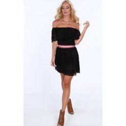 Sukienka hiszpanka koronkowa z pasem czarna 21438. Białe sukienki marki Fasardi, l. Za 79,00 zł.