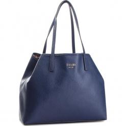 Torebka GUESS - HWVG69 95240  NAV. Niebieskie torebki klasyczne damskie Guess, z aplikacjami, ze skóry ekologicznej. Za 629,00 zł.