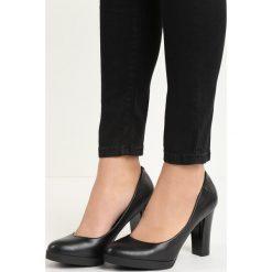 Czarne Czółenka Speciality. Białe buty ślubne damskie marki Kazar, ze skóry, na wysokim obcasie, na szpilce. Za 44,99 zł.