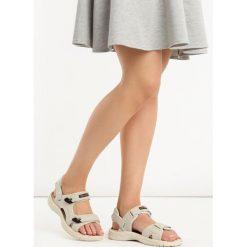 Beżowe Sandały Mazerunner. Brązowe sandały damskie marki Reserved, na platformie. Za 89,99 zł.