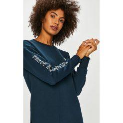 New Balance - Bluza. Czarne bluzy z nadrukiem damskie marki New Balance, l, z bawełny, bez kaptura. Za 249,90 zł.
