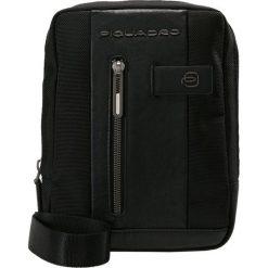 Piquadro Torba na ramię black. Czarne torby na ramię męskie Piquadro, na ramię, małe. Za 589,00 zł.