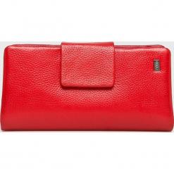 Nobo - Portfel skórzany. Czerwone portfele damskie Nobo, z materiału. W wyprzedaży za 219,90 zł.