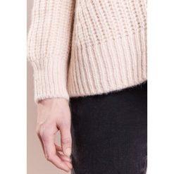 Swetry klasyczne damskie: CLOSED Sweter light champagne
