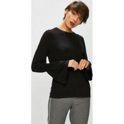 Medicine - Bluzka Basic. Czarne bluzki asymetryczne MEDICINE, l, z bawełny, z okrągłym kołnierzem. W wyprzedaży za 39,90 zł.
