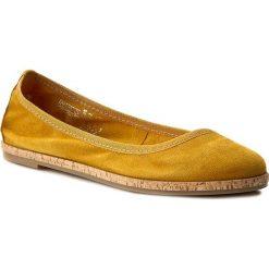 Półbuty TAMARIS - 1-22117-28 Sun 602. Żółte półbuty damskie skórzane marki Tamaris, na płaskiej podeszwie. W wyprzedaży za 179,00 zł.