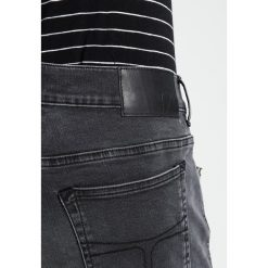 Tiger of Sweden Jeans EVOLVE Jeansy Slim Fit black. Niebieskie jeansy męskie relaxed fit marki Tiger of Sweden Jeans. Za 589,00 zł.
