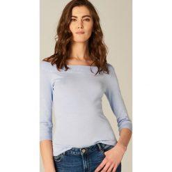 Swetry klasyczne damskie: Miękki sweter z prostym dekoltem - Niebieski