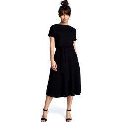 Sukienki: Czarna Midi Sukienka z Szerokim Dołem