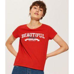 T-shirt z napisem - Czerwony. Czerwone t-shirty damskie House, m, z napisami. Za 19,99 zł.