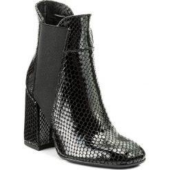 Botki MACCIONI - 564 Czarny. Czarne buty zimowe damskie Maccioni, z lakierowanej skóry, na obcasie. W wyprzedaży za 269,00 zł.