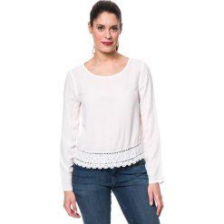 Koszulka w kolorze kremowym. Białe bluzki damskie Mavi, xs, w koronkowe wzory, z koronki, z dekoltem na plecach. W wyprzedaży za 85,95 zł.
